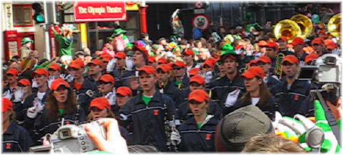 Marching Illini Arrive