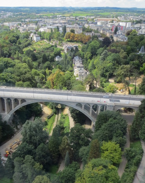 Pont Adolphe and the city limits